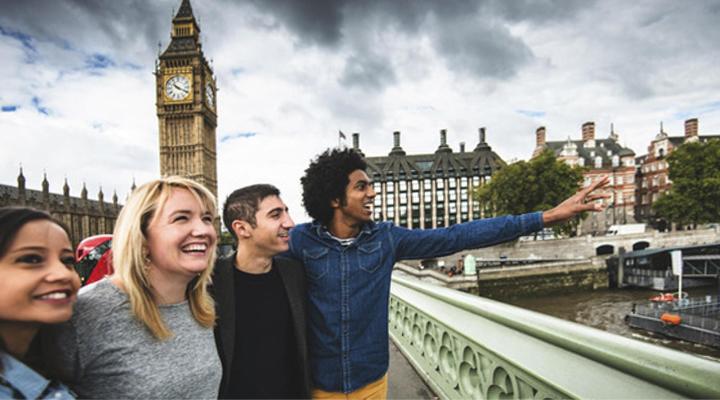туристы в Великобритании