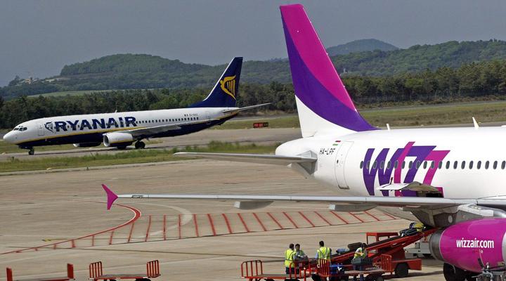 оштрафовані лоукостери Wizz Air та Ryanair