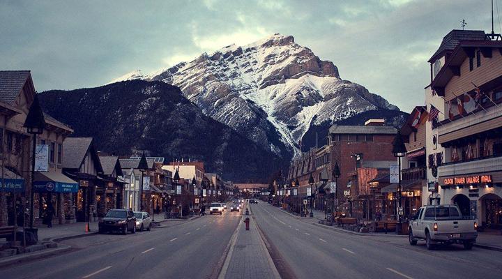 невеликі містечка провінції Альберта