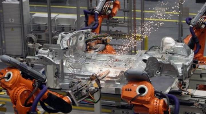роботы на производстве в США