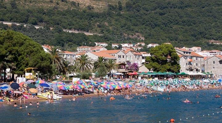 відпочиваючі у Чорногорії