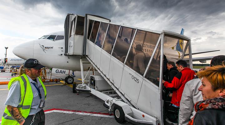 увеличение пассажиропотока украинских авиакомпаний