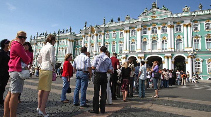 введення туристичного збору в Санкт-Петербурзі