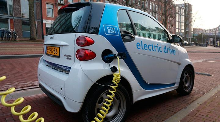 «экологически чистые» автомобили в Амстердаме
