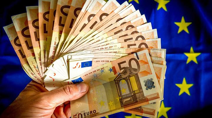 на Италию могут наложить штрафные санкции