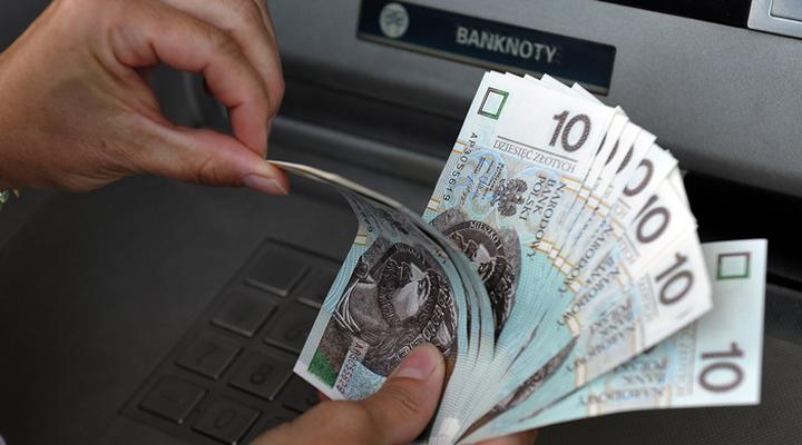 молоді поляки звільнені від прибуткового податку