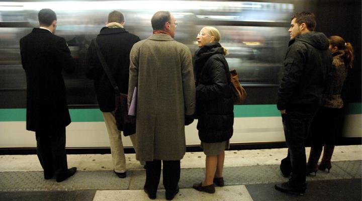 отказ от бумажных билетов на городской транспорт в Париже
