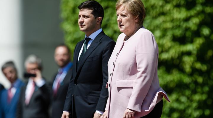 жара победила канцлера Германии