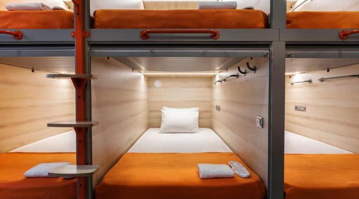 капсули для сну в хостелі GettSleep Boryspil