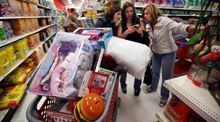 українці вважають за краще скуповуватися в польських супермаркетах