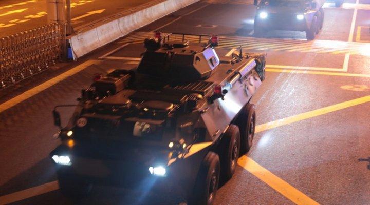 китайские войска в Гонконге