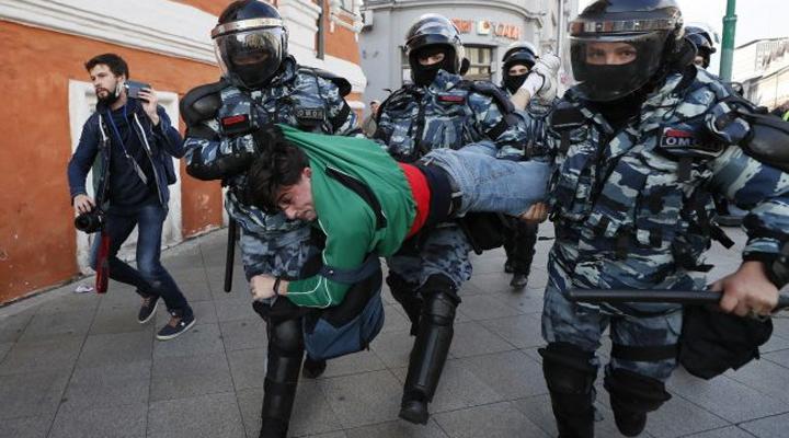 массовые аресты в России