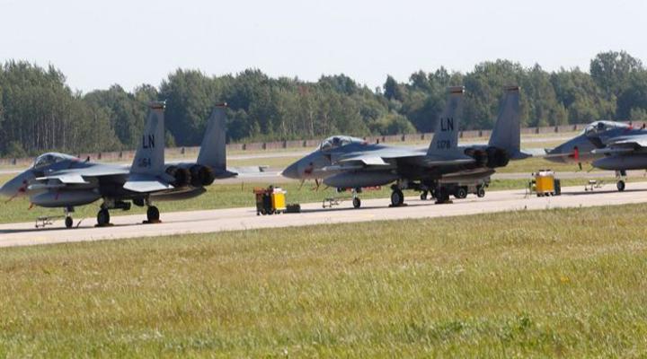 НАТО перехопило російські літаки