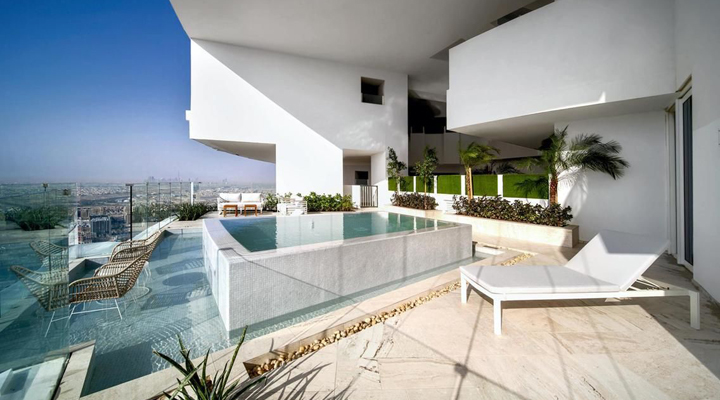 отель с бассейном в каждом номере в Дубае
