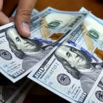 У Національному банку уважно рахують гроші трудових мігрантів