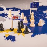 Єврокомісія попереджає Бориса Джонсона: жорсткий Brexit – не іграшки