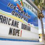 Евакуація в штатах Джорджія і Південна Кароліна. Насувається ураган «Доріан»