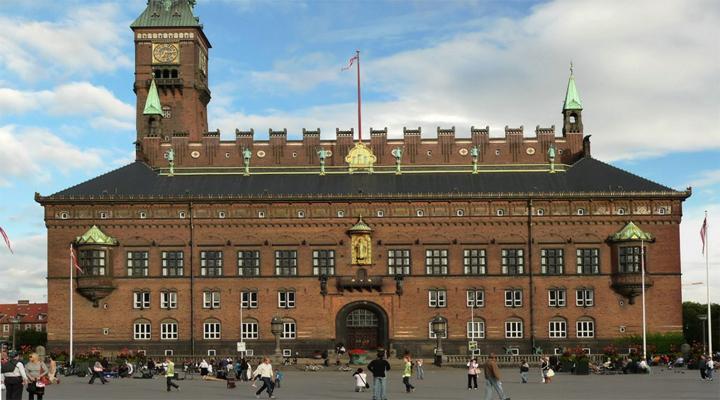 муніципальні службовці в Данії працюватимуть чотири дні на тиждень