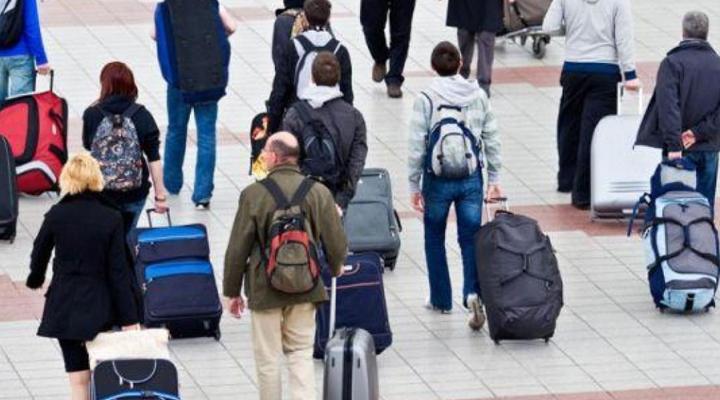 майже 6 млн. українців перебувають за кордоном