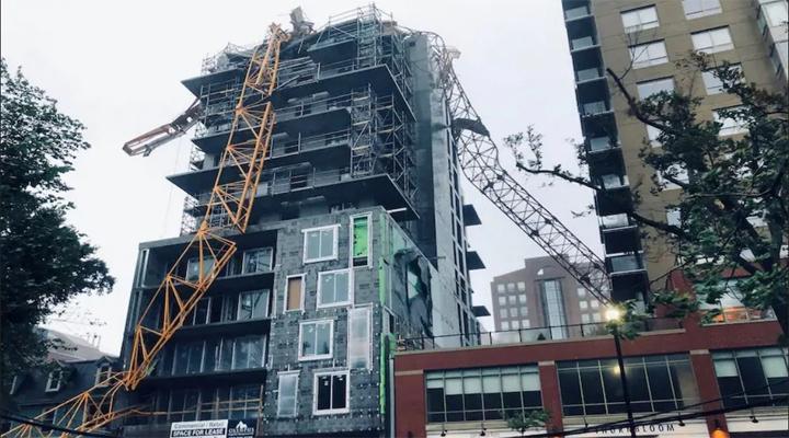 ураган «Доріан» в Канаді повалін будівельний кран