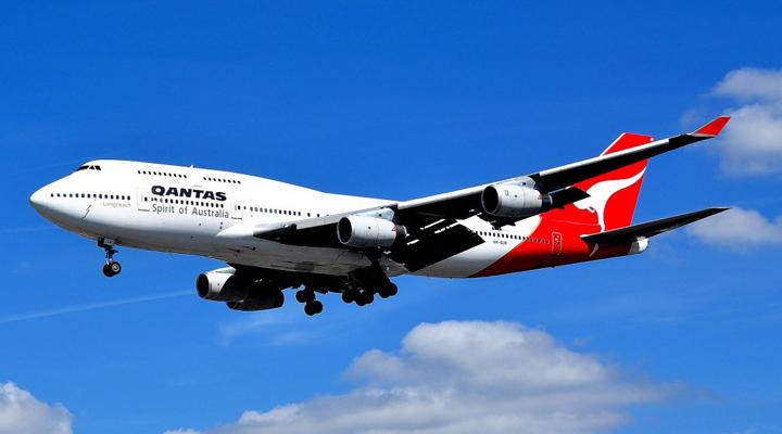 австралийская авиакомпания Qantas совершила самый длинный перелет