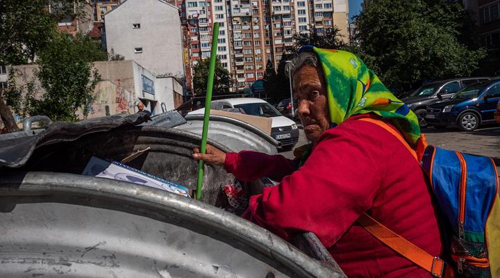 найбільше бідних людей живе в Болгарії