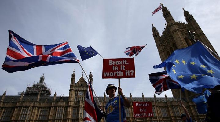 экономические потери Британии в результате Брексита растут
