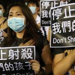 Гонконг: Журналістка була поранена поліцією і частково втратила зір