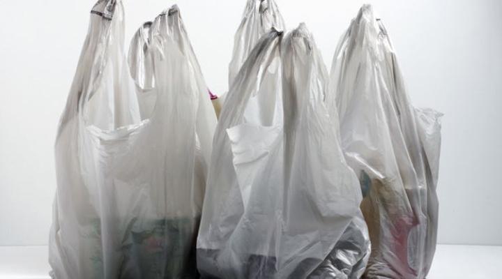 Ванкувер проголосував за заборону соломинок і пластикових пакетів