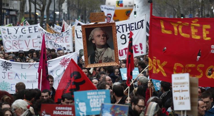 протесты во Франции из за пенсионной реформы