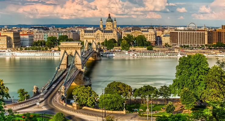Правительство Венгрии приняло контроль над рождаемостью