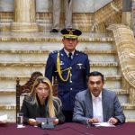 Боливия намерена выслать посла Мексики и двух дипломатов Испании