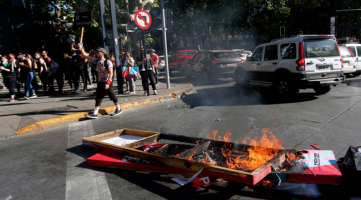Чилійська влада розслідує, чи було пряме міжнародне втручання в протести в країні