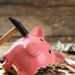 Менше половини українців мають можливість робити заощадження