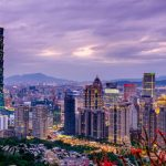 Эксперты назвали лучшие и худшие города для переезда