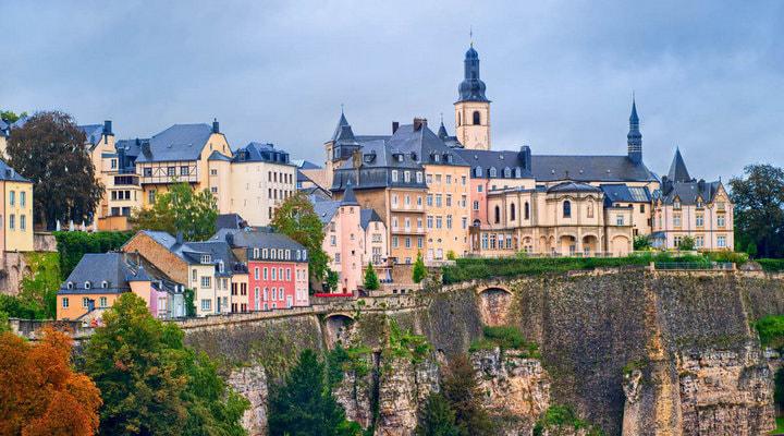 , перше місце за рівнем життя посідає Люксембург