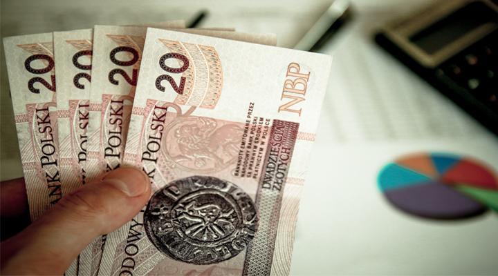 в Польше увеличилась средняя зарплата