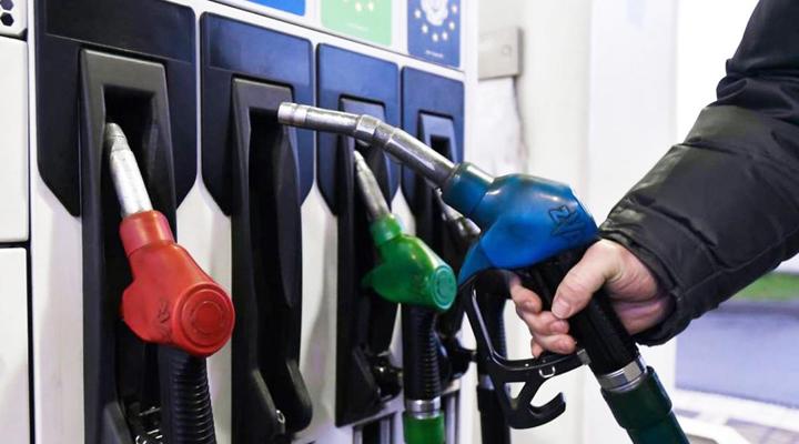 Зеленський зажадав зниження ціни на бензин