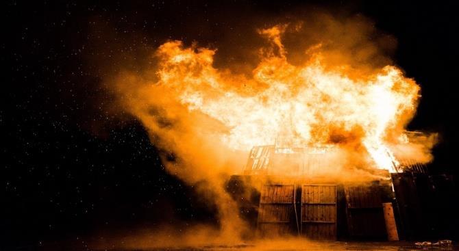 Пожар на химзаводе в Испании