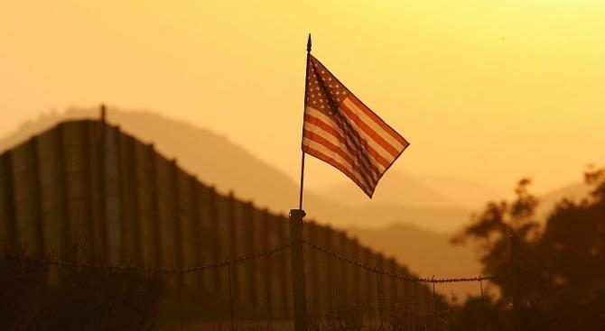 строительство стены на границе с Мексикой