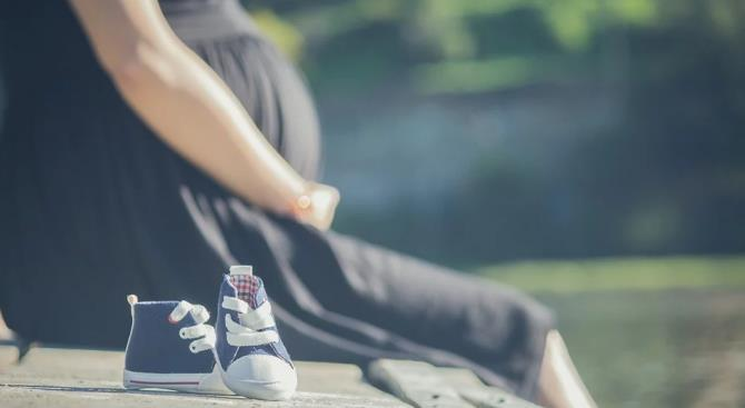 США вводит визовые ограничения для беременных