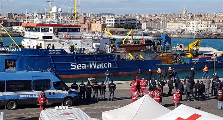 180 мигрантов спасли в Средиземноморье