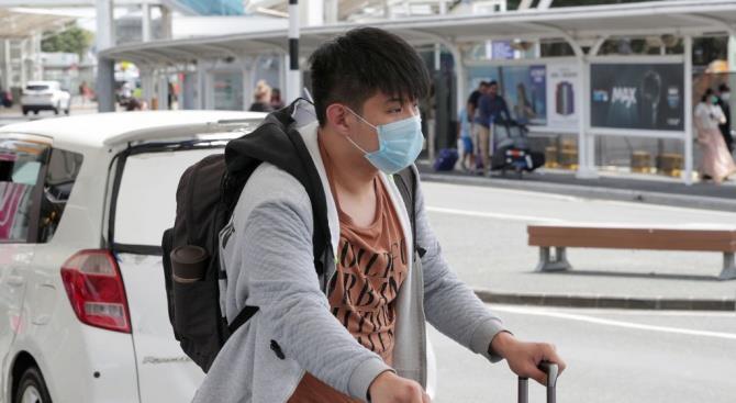 Более 400 000 долларов штрафа: аптека в Пекине повысила цены на хирургические маски