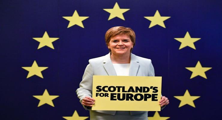 Парламент Шотландии голосует за новый референдум