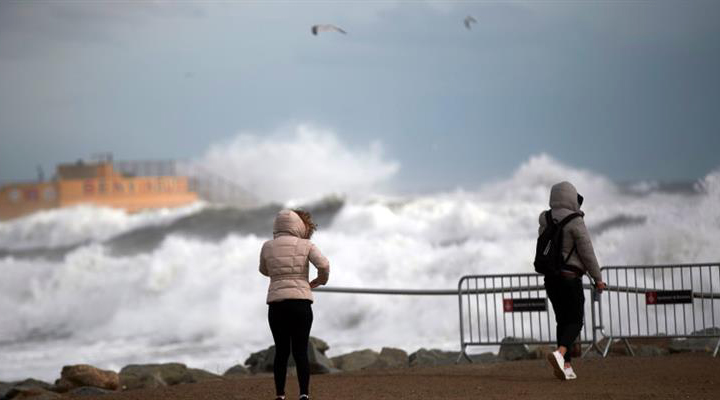 чотири людини загинули в результаті сильного зимового шторму і буревію по всій Іспанії