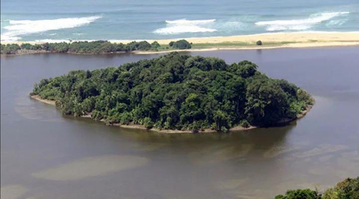 Індонезія втратила два острови, які пішли під воду