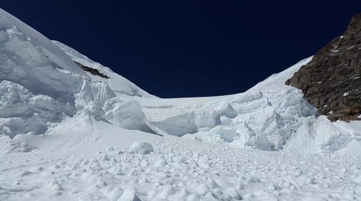 лавина обрушилась на Кашмир