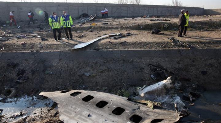 однією з причин авіакатастрофі називається зіткнення літака з ракетою