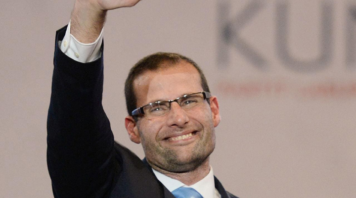 по результатам внеочередных выборов новым главой правительства стал Роберт Абела