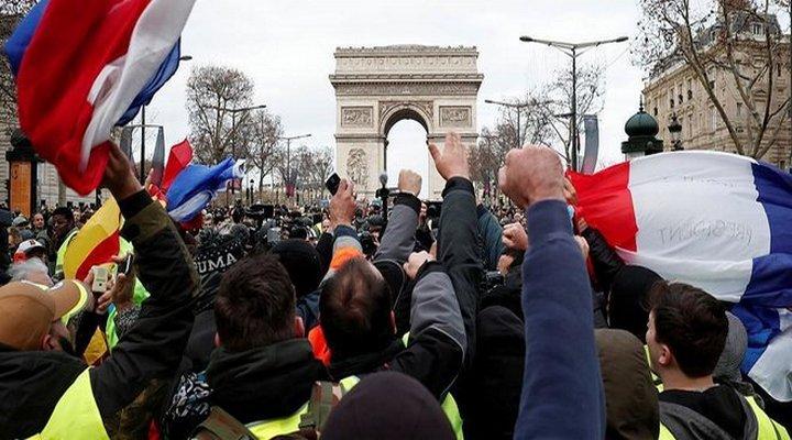 Протесты во Франции вышли на новый уровень